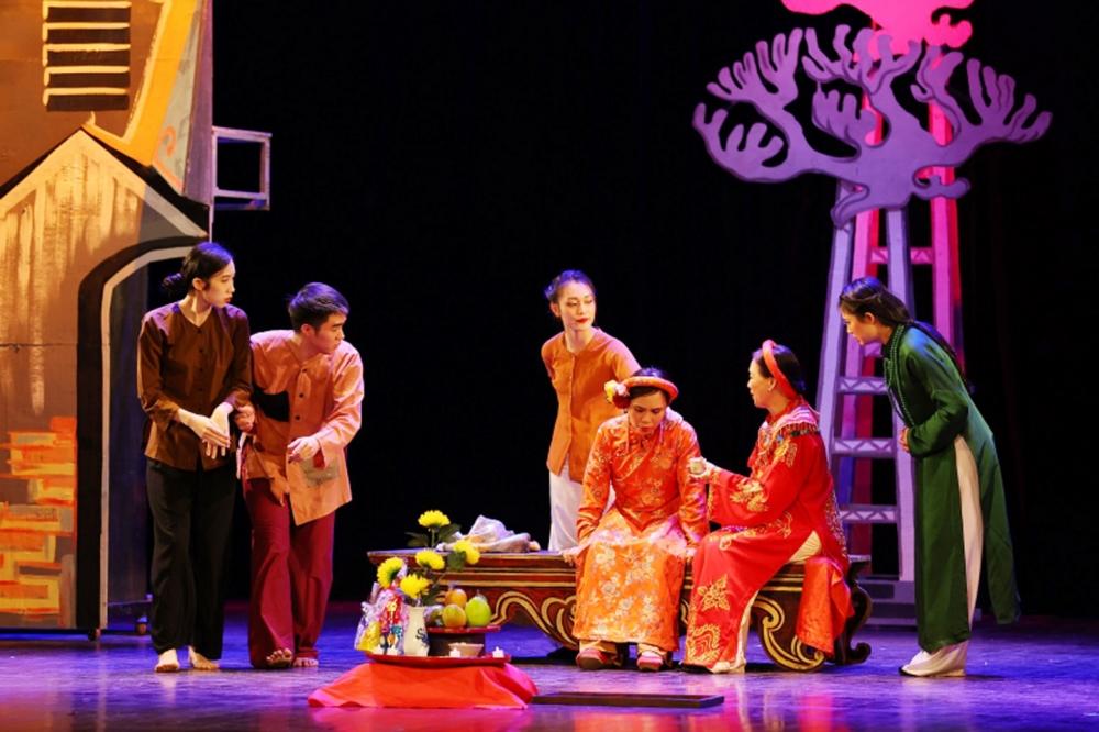 Một thế kỷ kịch nói Việt Nam và những điều cần nói