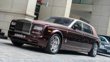 Chạm mặt xe Rolls-Royce
