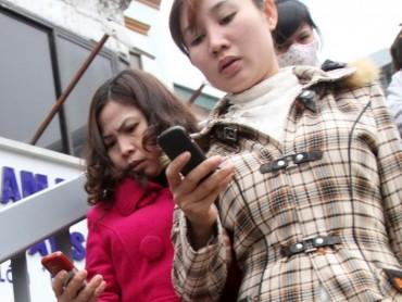 Điện thoại di động nhái 'ăn cắp' tiền tỉ