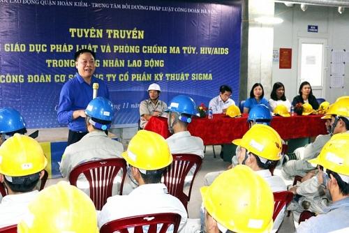 Công đoàn đẩy mạnh Tháng hành động phòng, chống HIV/AIDS