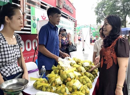Thách thức nào cho hàng Việt trên sân nhà?
