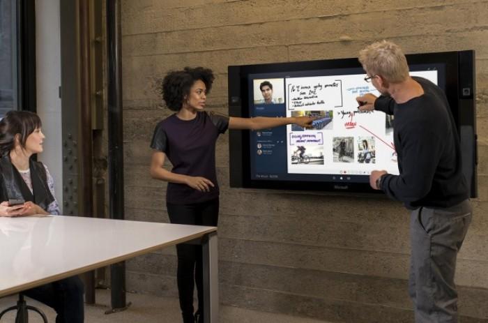Màn hình cảm ứng giá lên tới 22.000USD của Microsoft