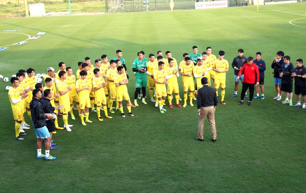 Tuyển Việt Nam hội quân: Quyết vững ngôi đầu bảng G vòng loại World Cup 2022