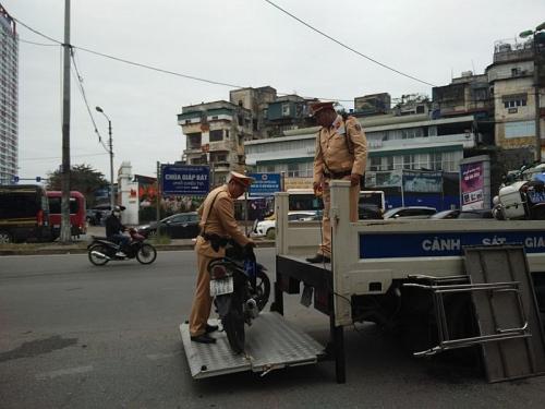 Hà Nội: Tăng cường tuần tra xử lý nghiêm theo Nghị định 100 trong dịp Tết