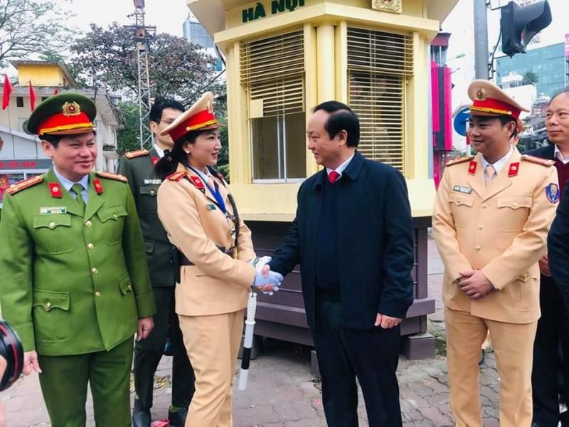 Công an Hà Nội ra quân đảm bảo an toàn giao thông đầu Xuân