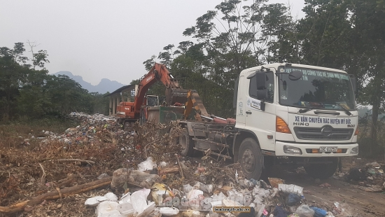Hà Nội: Phối hợp xử lý rác thải tồn đọng trên một số địa bàn