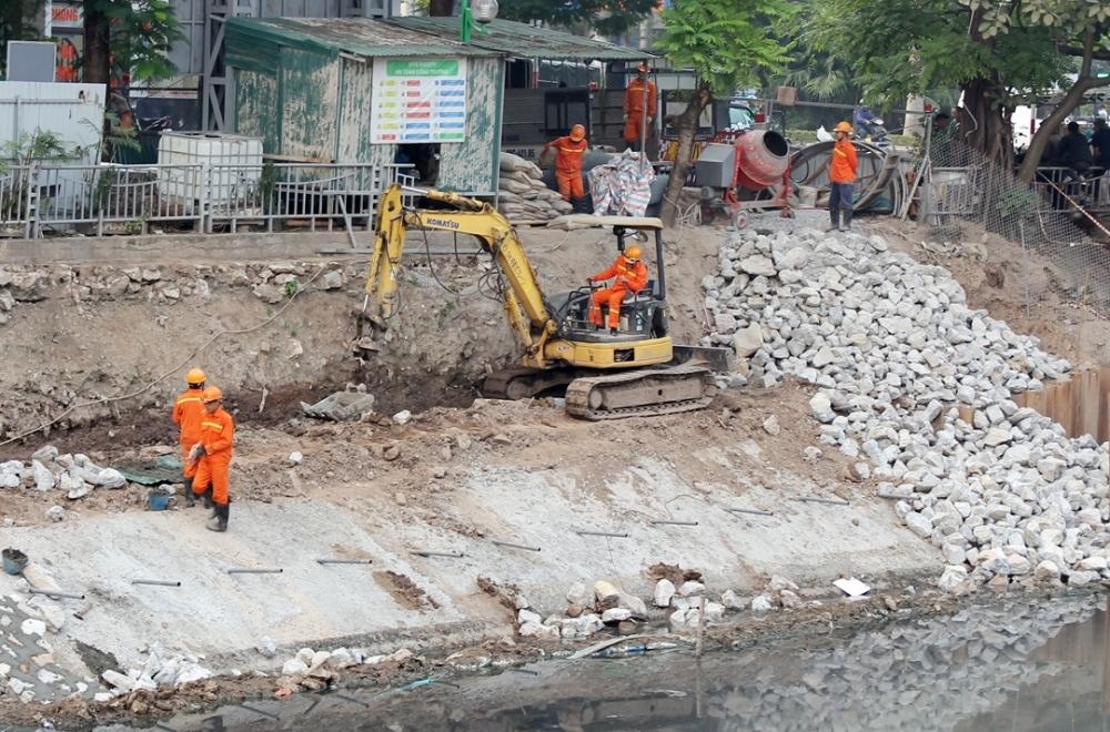 Hà Nội dịch chuyển cây xanh trong phạm vi dự án để thi công hệ thống cống bao sông Tô Lịch
