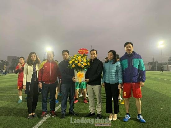 Khai mạc giải bóng đá Công đoàn Cơ quan Ủy ban nhân dân huyện Hoài Đức