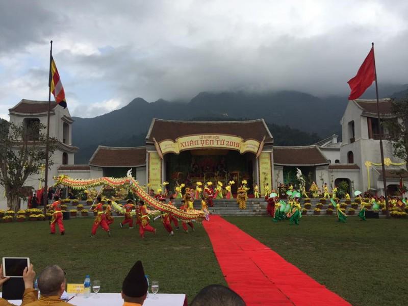 Du khách thập phương nô nức về khai hội Xuân Yên Tử 2019