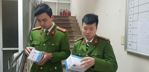 Hà Nội: Liên tiếp triệt phá hai đường dây buôn lậu khẩu trang y tế