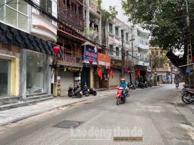 Nhiều cửa hàng trên phố cổ trả mặt bằng vì dịch Covid-19