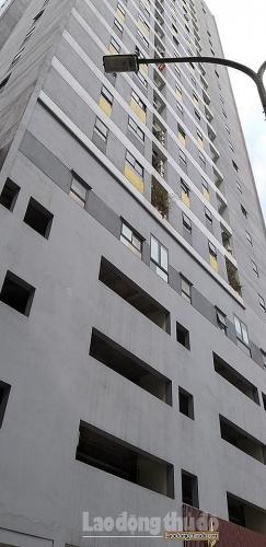 Một bé trai tử vong sau khi ngã từ chung cư cao tầng