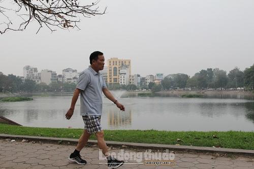 Hà Nội: Người dân gửi lời cảm ơn vì hồ Ba Mẫu trong xanh trở lại