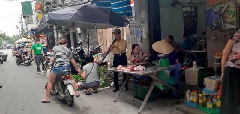 Hà Nội: Nhắc nhở, xử phạt nhiều trường hợp không đeo khẩu trang nơi công cộng