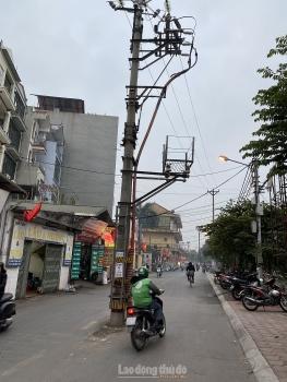 Dịch chuyển các cột điện tại ngõ 107 Lĩnh Nam trong tháng 4/2021