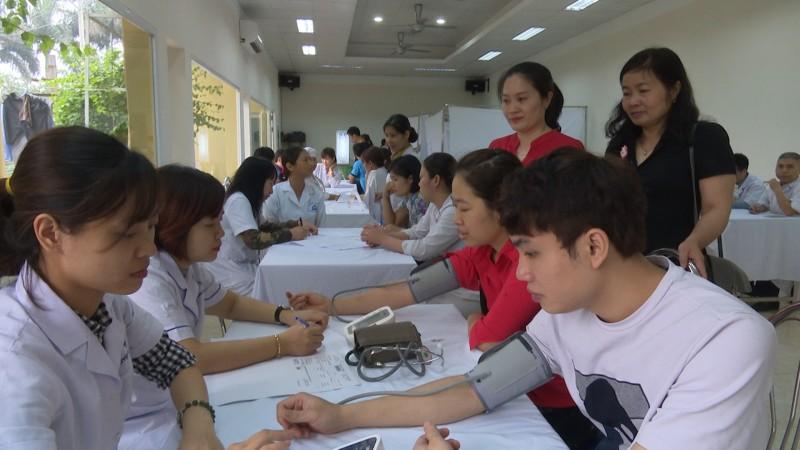 LĐLĐ huyện Hoài Đức khám sức khỏe miễn phí cho đoàn viên