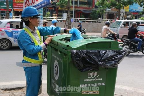Hà Nội đảm bảo thu gom 100% rác thải sinh hoạt trong ngày