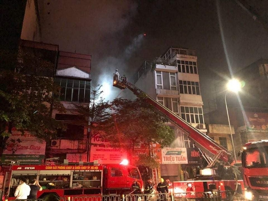 Cháy cửa hàng đồ sơ sinh trên phố Tôn Đức Thắng, 4 người trong gia đình tử vong