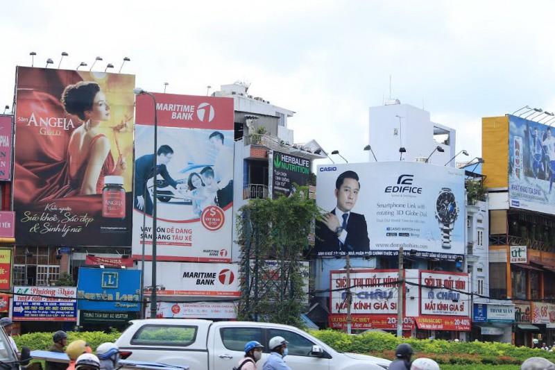 Hà Nội ban hành quy định về quảng cáo ngoài trời