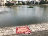 Phát hiện một thi thể người đàn ông dưới hồ Ngọc Khánh