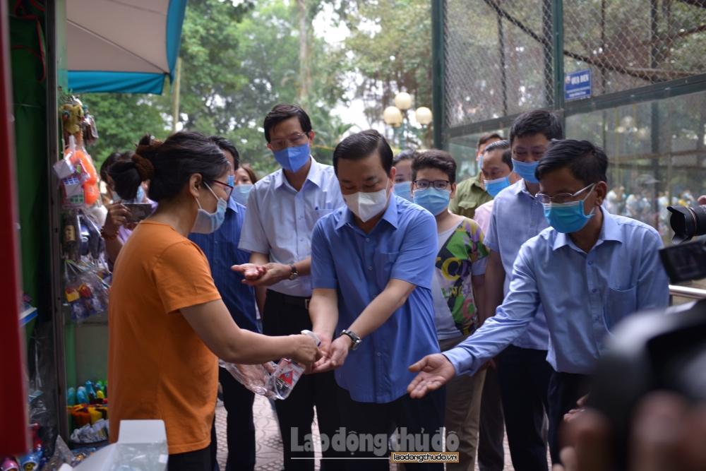 Phó Chủ tịch Ủy ban nhân dân Thành phố Chử Xuân Dũng kiểm tra công tác phòng, chống dịch