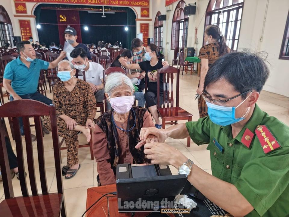 Huyện Thường Tín: Đảm bảo phòng, chống dịch Covid-19 tại các điểm cấp căn cước công dân