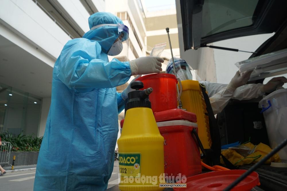 Cách ly y tế tòa nhà Center Point, quận Thanh Xuân để phòng, chống dịch Covid-19