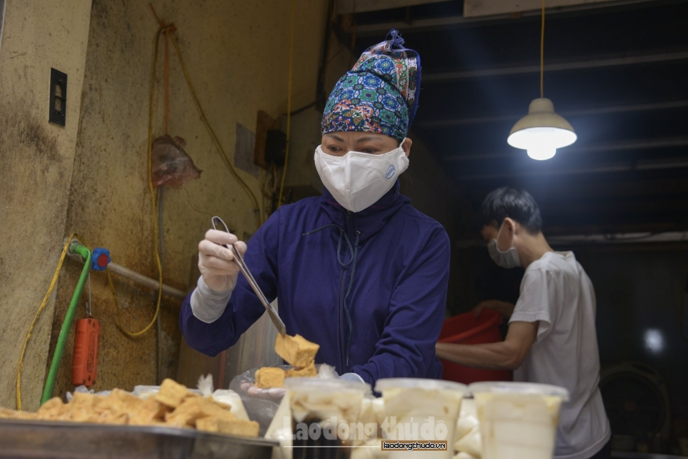 Hà Nội: Tiểu thương, người bán hàng nêu cao tinh thần phòng, chống dịch Covid-19