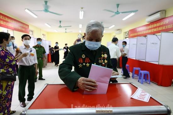 Đến 22 giờ ngày 23/5, cử tri cả nước đi bỏ phiếu đã đạt 98,43%