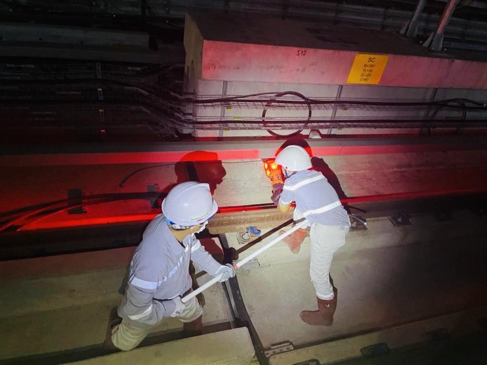 Hoàn thành đóng điện tuyến đường sắt trên cao Nhổn - ga Hà Nội