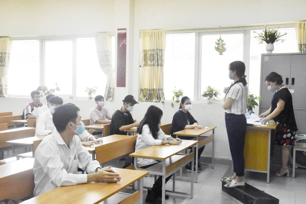 Tăng cường vệ sinh môi trường để bảo an toàn cho kỳ thi tốt nghiệp