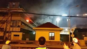 Cháy khoa khám bệnh của bệnh viện Bạch Mai