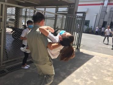 Hàng chục công nhân bị ngất vì hít phải khí lạ