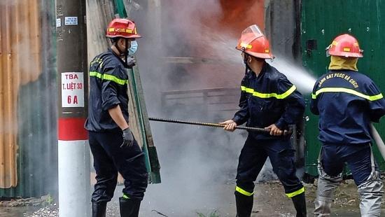 Kịp thời khống chế đám cháy tại phường Thịnh Liệt, quận Hoàng Mai