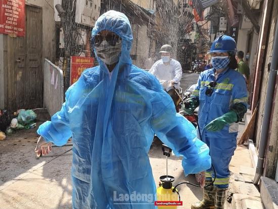 Đảm bảo xử lý rác thải tại khu cách ly, chung tay đẩy lùi dịch bệnh