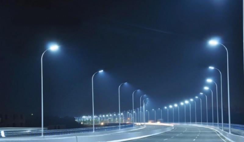 Hà Nội lắp đặt hệ thống chiếu sáng đường đê Vân Cốc