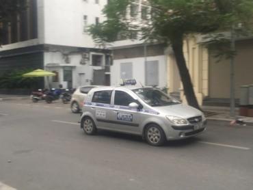 Hà Nội: Cấm taxi hoạt động một số tuyến phố vào giờ cao điểm