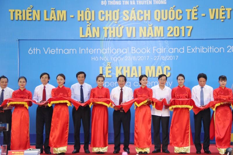 Khai mạc Triển lãm-Hội chợ sách Quốc tế - Việt Nam