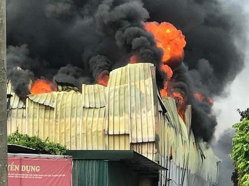 Hà Nội: Cháy lớn tại nhà xưởng trong khu công nghiệp Sài Đồng B