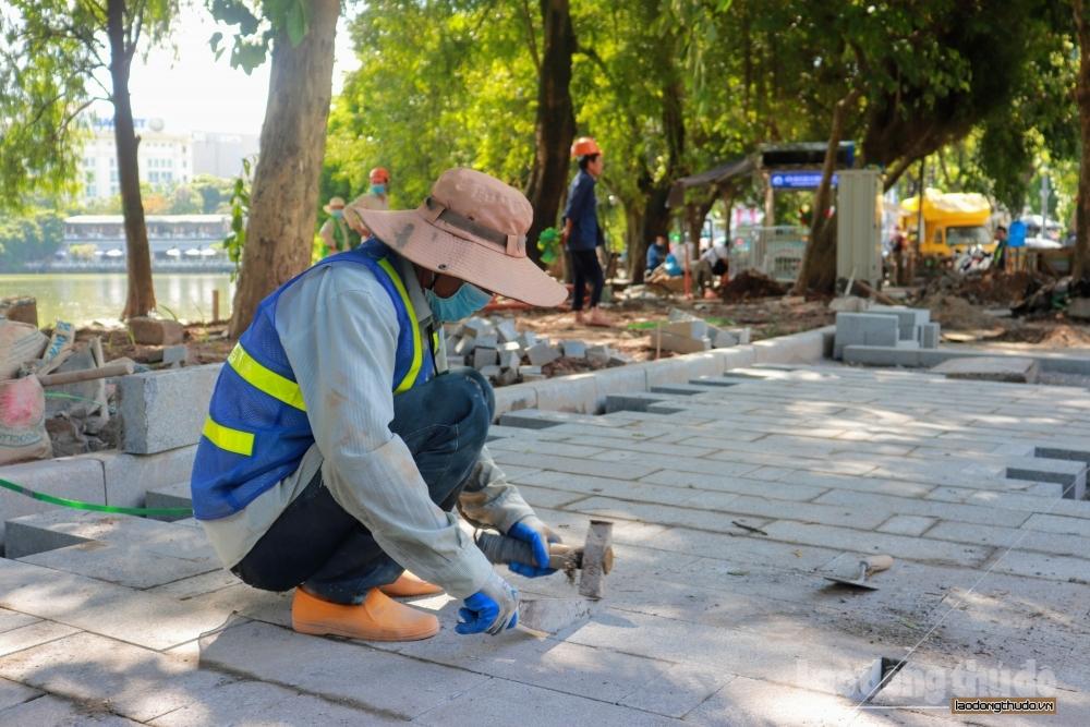 Hà Nội: Tăng cường giám sát công tác hạ ngầm, lát đá vỉa hè