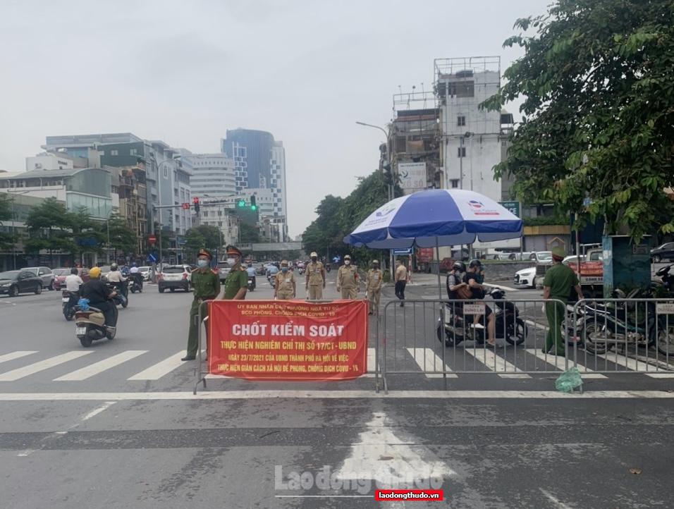 Hà Nội xử phạt thêm 900 trường hợp vi phạm phòng chống dịch