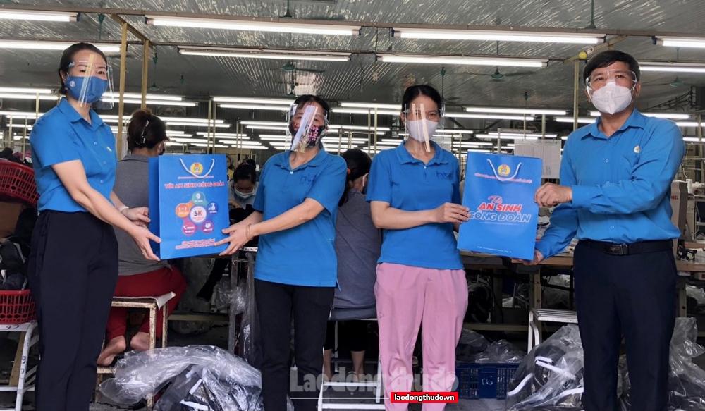 Ngành Xây dựng Hà Nội sẻ chia khó khăn với người lao động