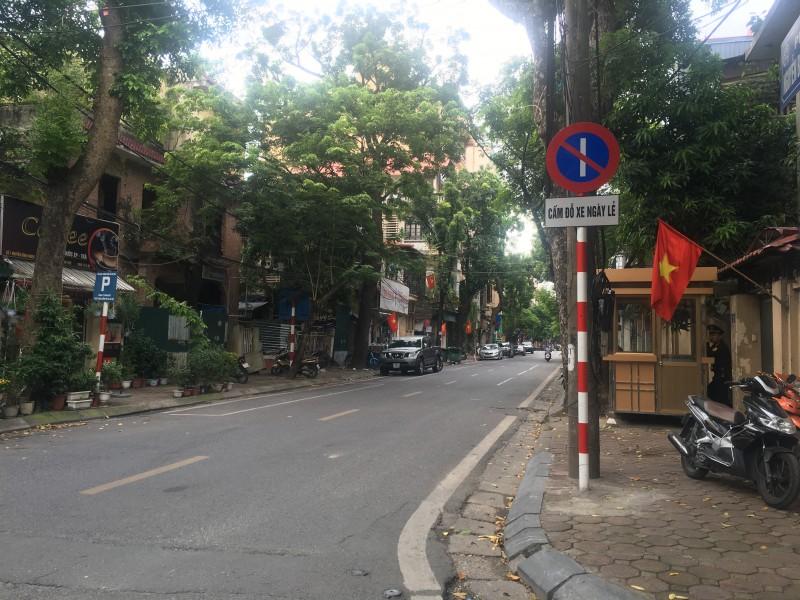 Phố Nguyễn Bỉnh Khiêm được bố trí đỗ xe theo ngày