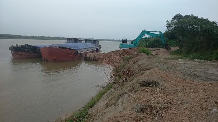 Rà soát bãi ven sông, nơi làm bãi trung chuyển vật liệu xây dựng