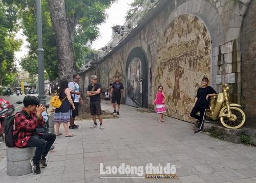 Phát triển không gian văn hóa khu vực vòm cầu Long Biên