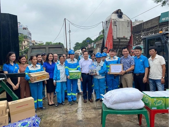 Tự hào là người công nhân vệ sinh môi trường