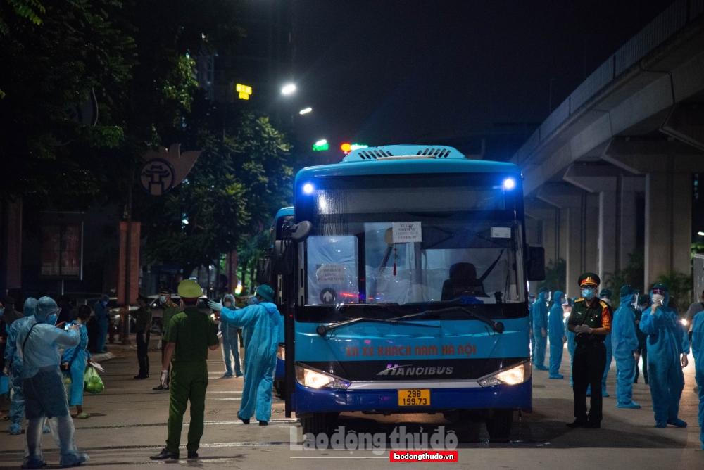 Hà Nội: Di dời người dân khỏi