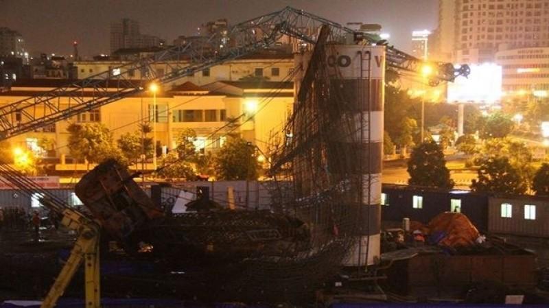 Vụ sập cần cẩu ở đường Dương Đình Nghệ: Phạt chủ đầu tư 25 triệu đồng