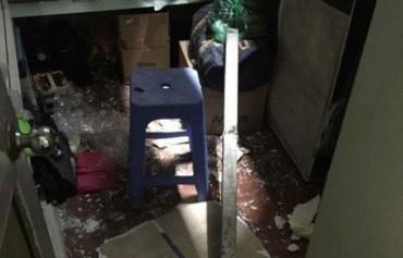 Chủ nhà suýt mất mạng vì hai thanh sắt dài 2 m rơi từ cao ốc