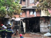 Cháy lớn tại xưởng làm ghế, nghi vấn có người mắc kẹt